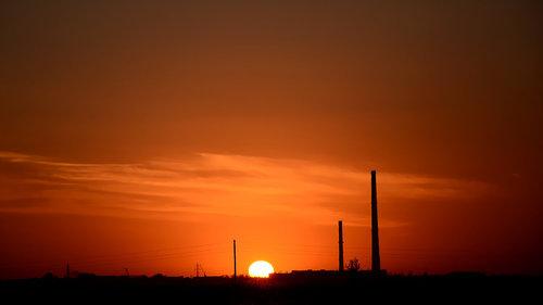 sun.thumb.jpg.35ac220c4d26f74f4aaf935060384965.jpg